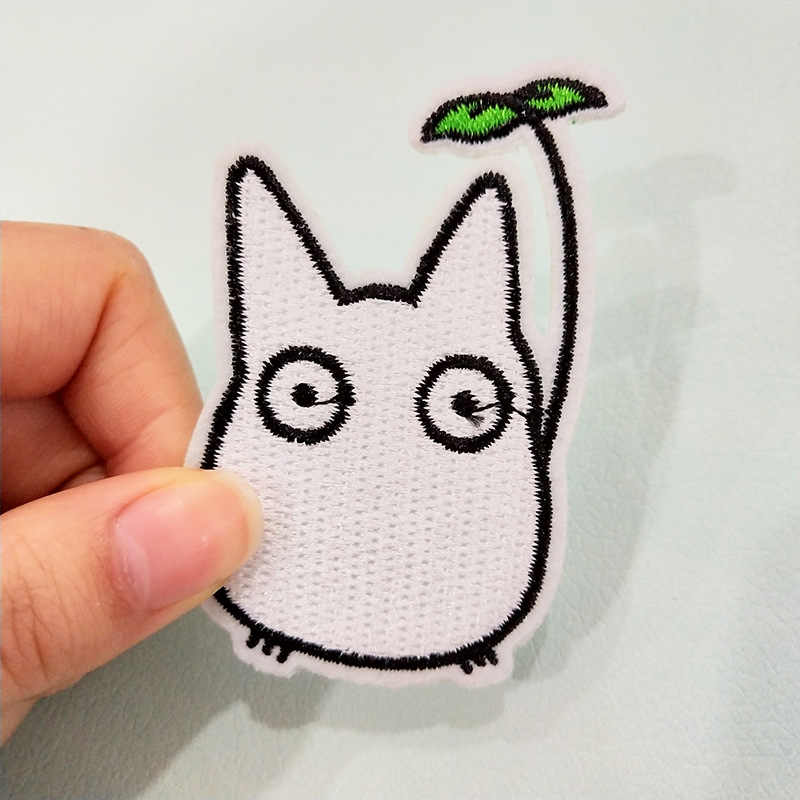 일본 애니메이션 토토로 수 놓은 아이언 패치 DIY 아니 얼굴 남자 자 수 손수 크로 셰 뜨개질 패치 옷 appliques에 바느질