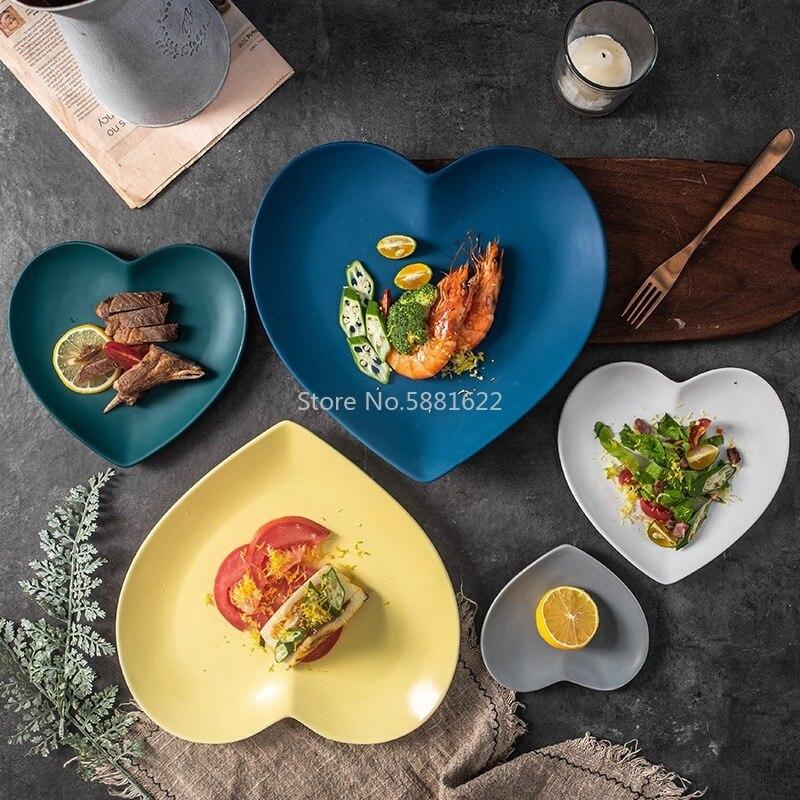 European Solid Heart Shape Ceramic Plate Lover's Porcelain Dinner Dish Anti-skid Steak Fruit Tray Salad Nuts Snack Tableware