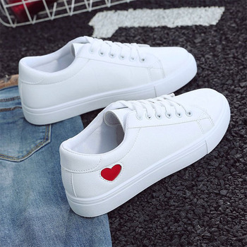 2019 Autumn Woman Shoes Fashion New PU Leather Ladies Breathable Cute Heart Flats Casual White Sneakers