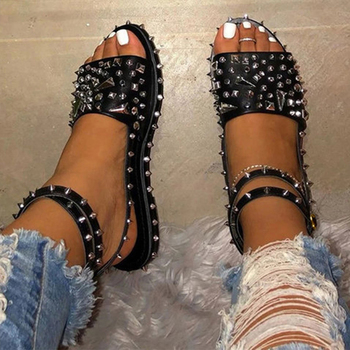 цена на Siddons 2020 New Arrival Women Flats Sandals Rivets Studs Ladies Summer Punk Shoes Buckle Strap Spikes Female Gladiator Sandals