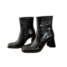 Женские ботильоны из лакированной кожи; женская обувь с квадратным носком; модная обувь; Chaussures Femmes; короткие ботиночки на молнии сбоку; женская обувь со звездами для подиума
