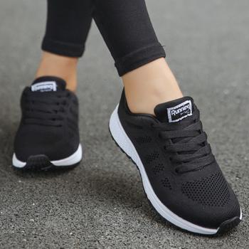 Obuwie damskie poduszka powietrzna oddychające buty do chodzenia dla kobiet odkryte letnie trampki damskie buty turystyczne do joggingu tanie i dobre opinie wetrics Podstawowe Mesh (air mesh) RUBBER Lace-up Pasuje prawda na wymiar weź swój normalny rozmiar Na co dzień Szycia
