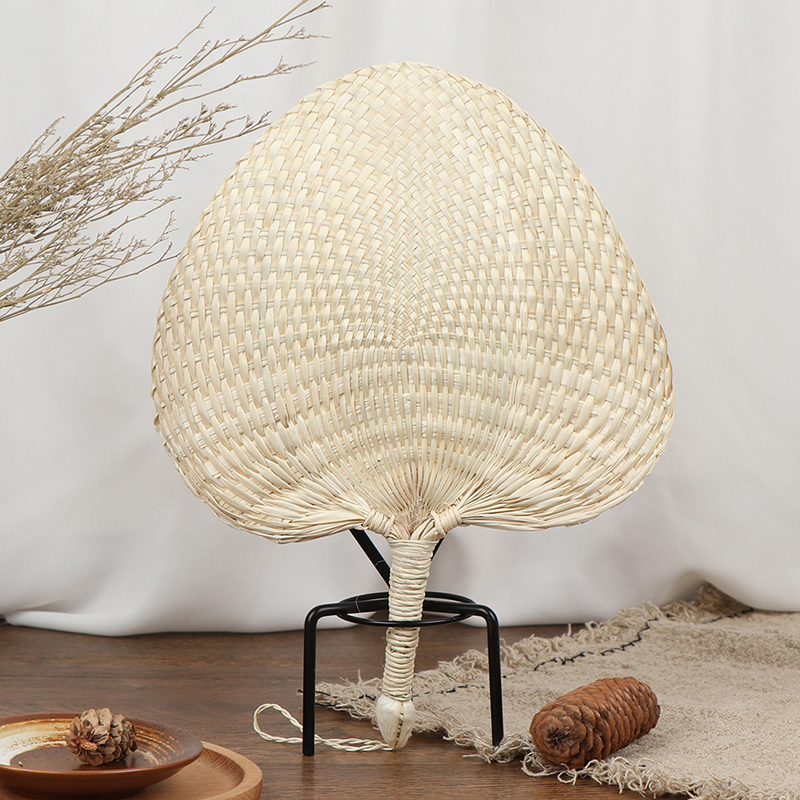 1PC Hot Sale Cool Baby Hand-woven Mosquito Repellent Fan Summer Manual Straw Hand Fans Palm Leaf