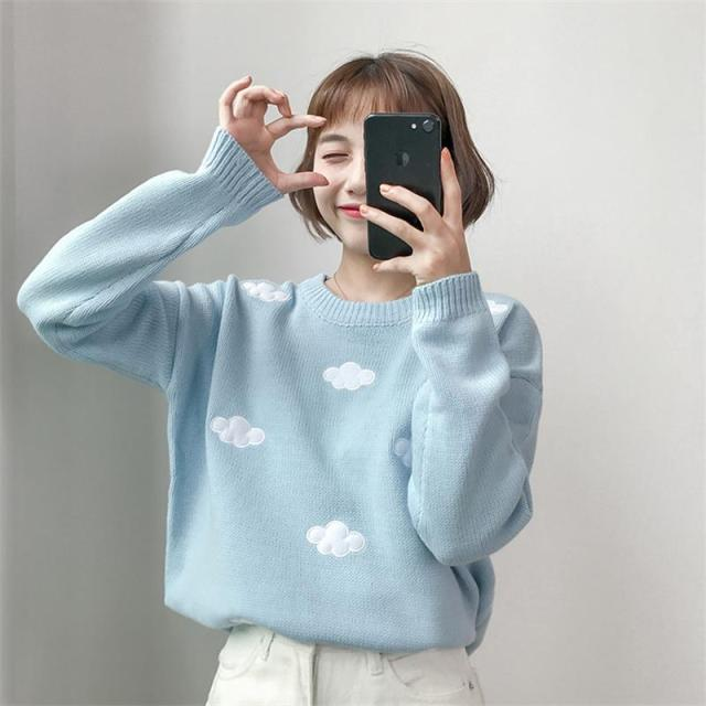 Vintage sweater with printed cloud pattern