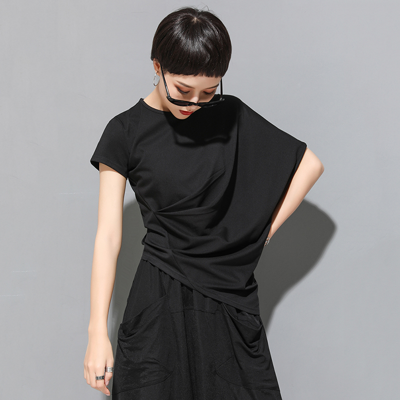 [EAM] 2020 New Spring Summer Round Neck Short Sleeve Black Irregular Fold Pleated Irregular T-shirt Women Fashion Tide JT616 4