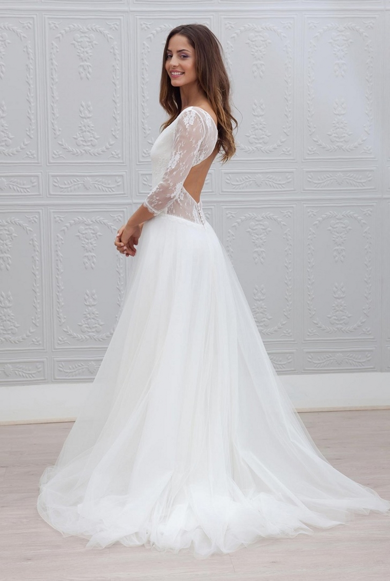 Vestidos De Noiva V neck Sweep train Simple Backless A line Wedding Dresses Top Lace Tulle Bridal Gowns Hot Sale in Wedding Dresses from Weddings Events