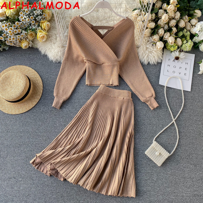 ALPHALMODA 2019 Sparkling Sweater Pleated A-line Skirt Women Fashion 2pcs Suit Bright Silk Batsleeve Sweater Pleated Skirt Set