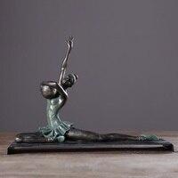 Piękno joga gimnastyka sportowca statua joga piłka dziewczyna rysunek sztuka figurki żywica rzemiosło akcesoria do dekoracji domu R2575 w Posągi i rzeźby od Dom i ogród na