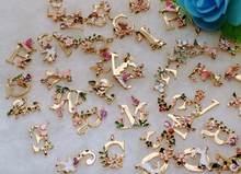 Подвески из металлического сплава с 26 буквами кулоны эмалевые Подвески с буквами в форме цветка для изготовления ювелирных изделий своими ...