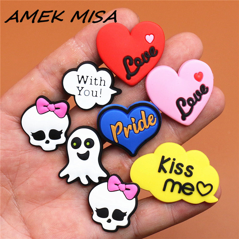 Single Sale 1pcs Shoe Charms Heart-shaped/Kiss Me/Skull Shoe Accessories Shoe Buckle Decorations Fit Croc JIBZ Kid's X-mas U139