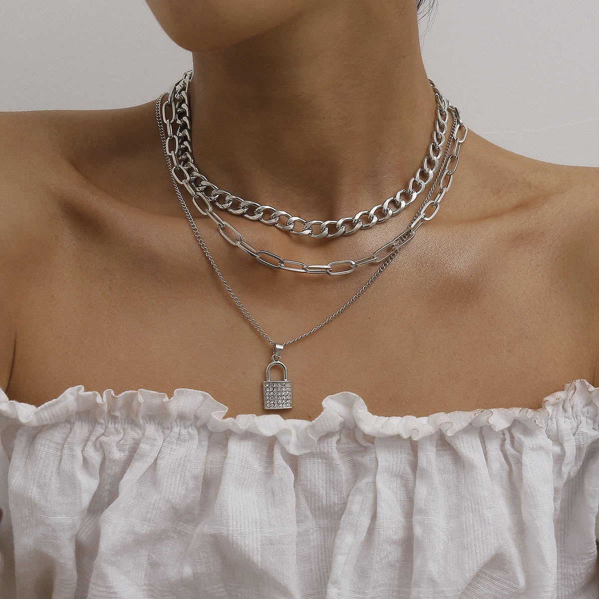 Rhinestone Lock Pendant Necklace for Women Clavicle Chain Punk Thick Choker Necklaces Female Gold Silver Color Fashion Jewelry