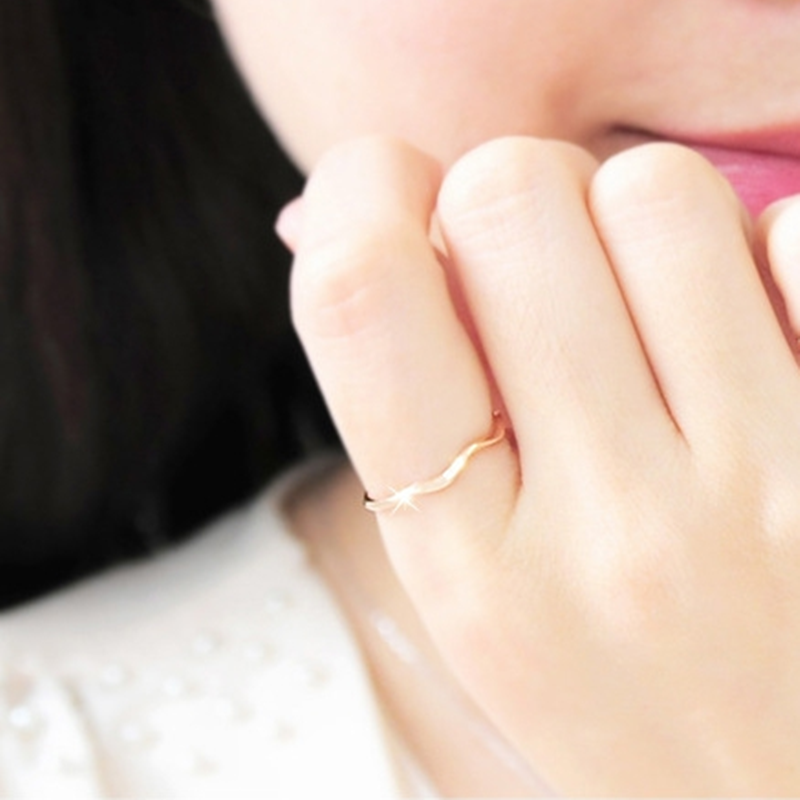 Elegance คนรักแหวนแฟชั่น titanium gold สีแหวน joint pinky แหวน women16mm ร้อน slim