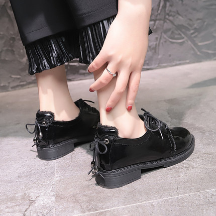 Foreign gas small shoes 2019 new Korean temperament casual lace women's shoes