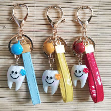 Simulation Cartoon Teeth Keychain Dentist Decoration Key Chains Resin Tooth Model Shape Key Rings Dental Clinic Gift Wholesale(China)