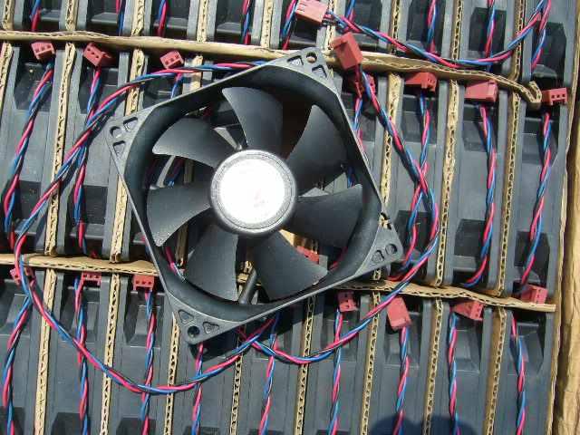 1 шт., бесшумный 3-линейный охлаждающий вентилятор шасси, постоянный ток 12 В, 0,18 А, ZP