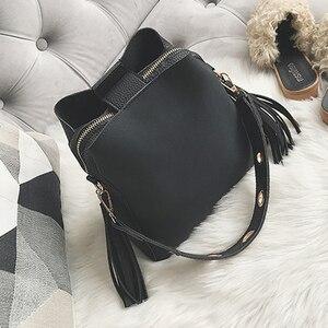 Image 2 - 2019 ファッションスクラブの女性のバケットバッグヴィンテージタッセルメッセンジャーバッグの高品質ショルダーバッグシンプルなクロスボディバッグトートバッグ