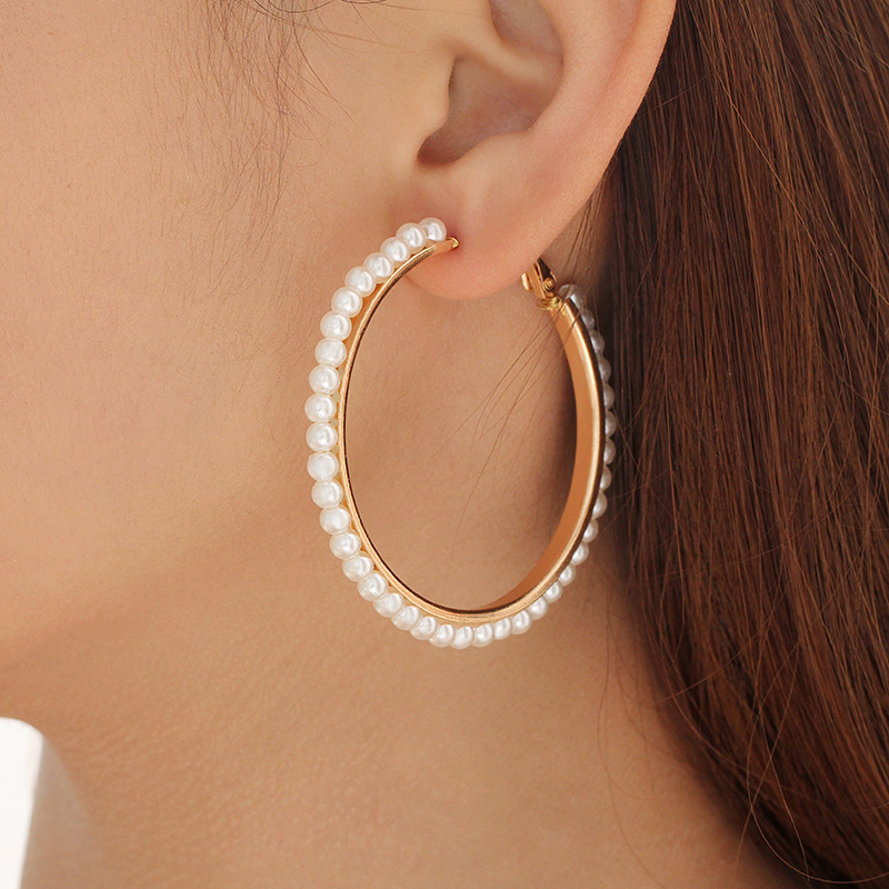 Europe and the United States 2019 new hot sale geometric exaggerated pearl big circle pendant women's earrings fashion jewelry 1