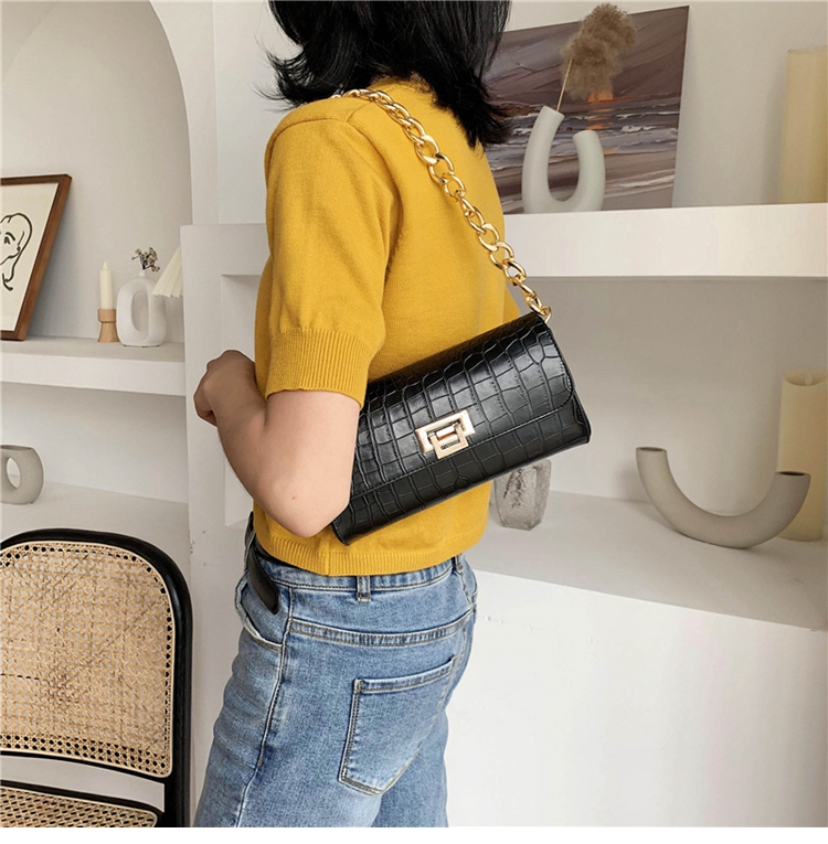 Crocodile Pattern Vintage Soild Color Small Square Bag For Women 2020 summer Handbag And Small Chain Bags Fashion Armpit Bag (14)