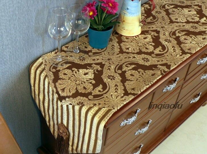 Chemin de table classique de luxe à deux têtes avec pompon, nappe de table drapeau serviette de lit longue piste sur la table - 2