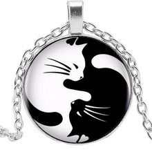 2019 New Cute Yin and Yang Black White Cat Necklace Jewelry Pendant Crystal Convex Round Glass Kids Gift