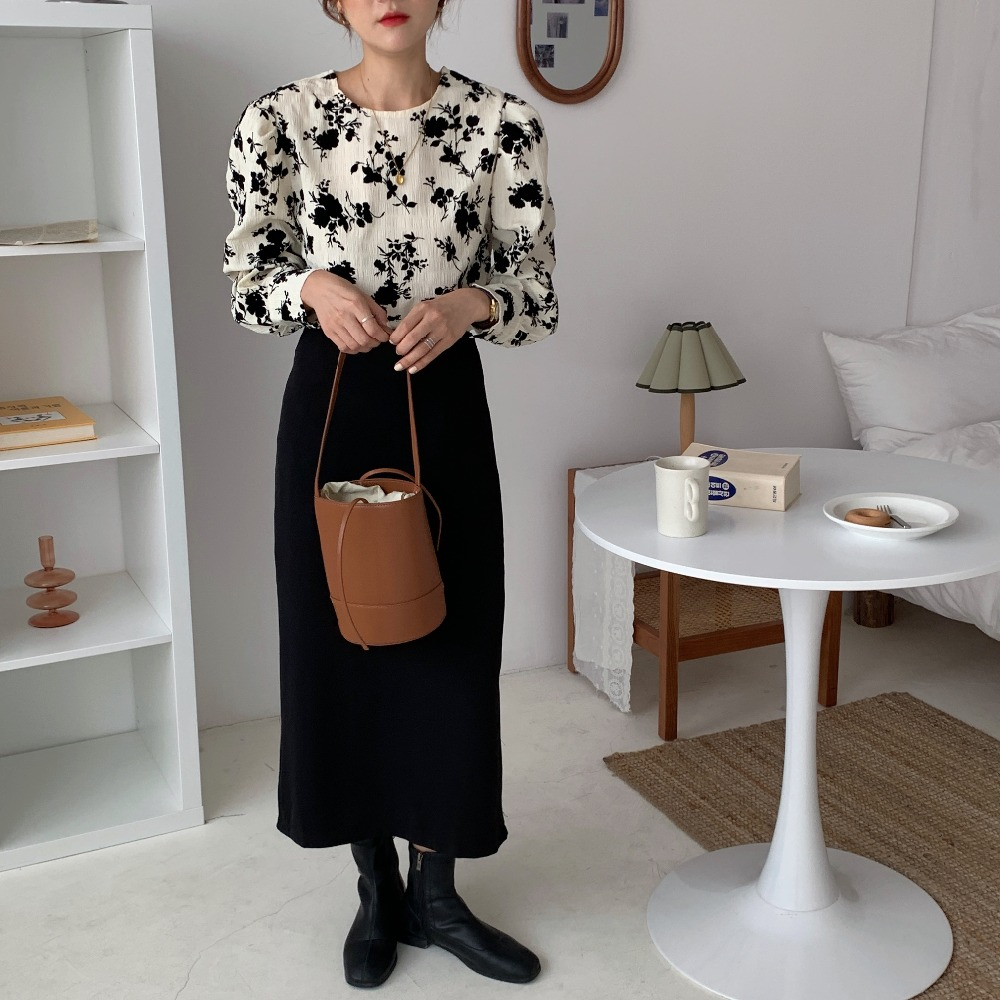 H5e267e9f531846dda8c7c3c13d36655dB - Spring / Autumn Korean O-Neck Long Sleeves Two-Button Cuffs Floral Print Blouse