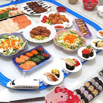 Domowy Mini przenośnik taśmowy Sushi zabawka pociąg elektryczny tor przenośnik taśmowy stół obrotowy DIY łączenie tanie i dobre opinie CN (pochodzenie) Sushi Plates Z tworzywa sztucznego Stałe