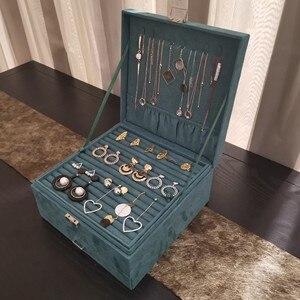 Image 5 - Joyero de lujo de estilo Queen en 4 colores, práctico joyero de franela, pendientes de exhibición de joyería a la moda, colgante de collar, joyería del Premio Nobel