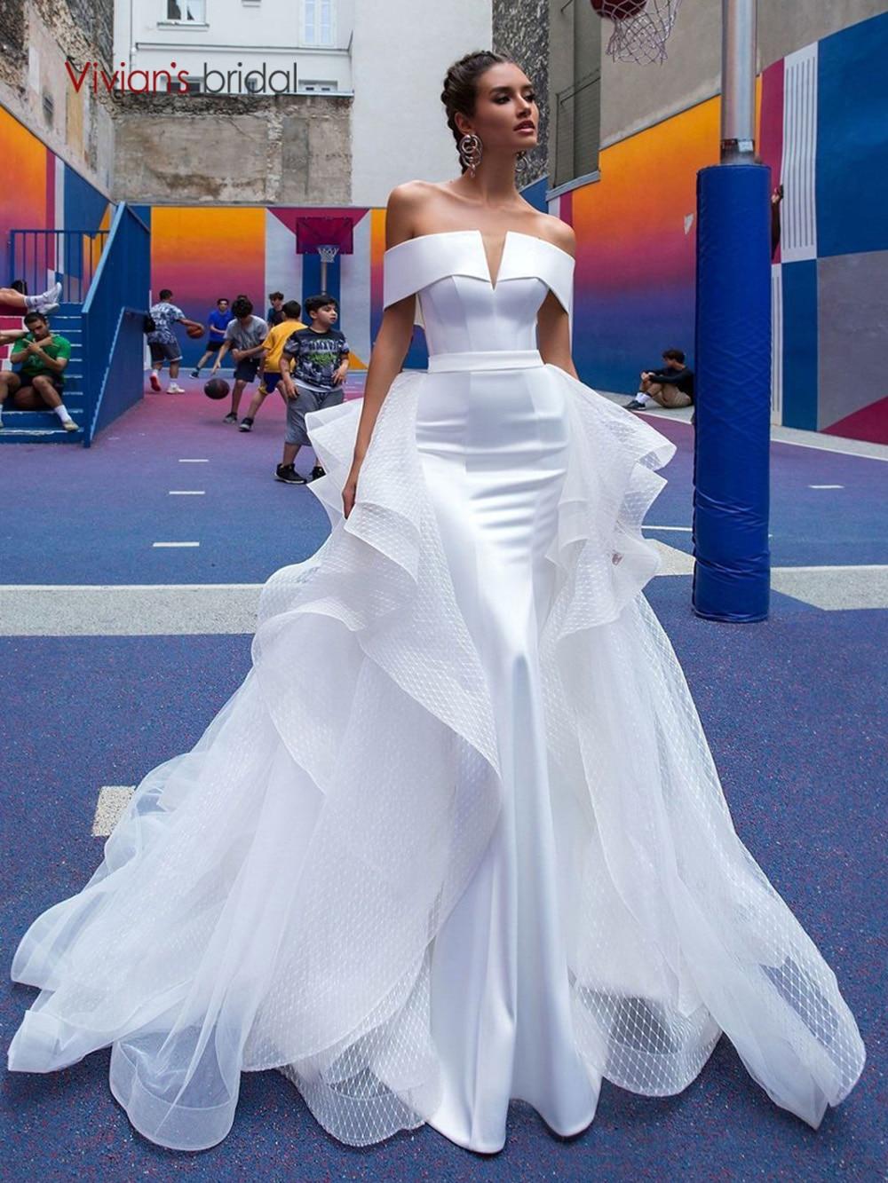Vivian's Bridal 2019 Hot Reflective Dress Satin Wedding Dress Sexy Strapless Off Shoulder Detachable Train Mermaid Bridal Dress
