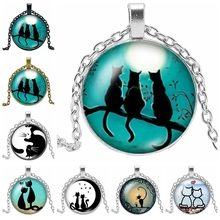 2019 New Hot Cat and Moon Black White Pattern Series Glass Convex Round Pendant Necklace Popular Jewelry Gift