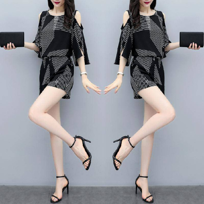 2019 New Style Summer Western Style Short-sleeved Top Slimming Stripes Two-Piece Casual Fashion High-waisted Shorts WOMEN'S Suit