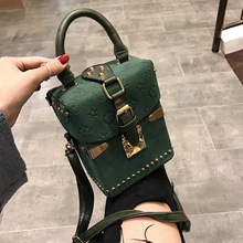 Luxury Handbag for Women New Rivet Totes Shoulder Bag Fashion Women Clutch