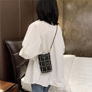 Image 5 - メタルチェーンチェッカーミニ女性電話バッグハンドバッグ黒クロスチェック柄レディースクロスボディバッグファッションショルダーバッグB715