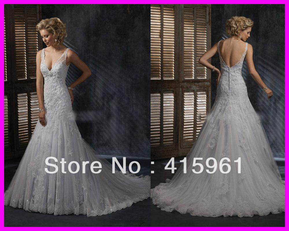 Sexy A-line Beaded Lace Backless Wedding Dresses Bridal Gowns Buttons Straps W395
