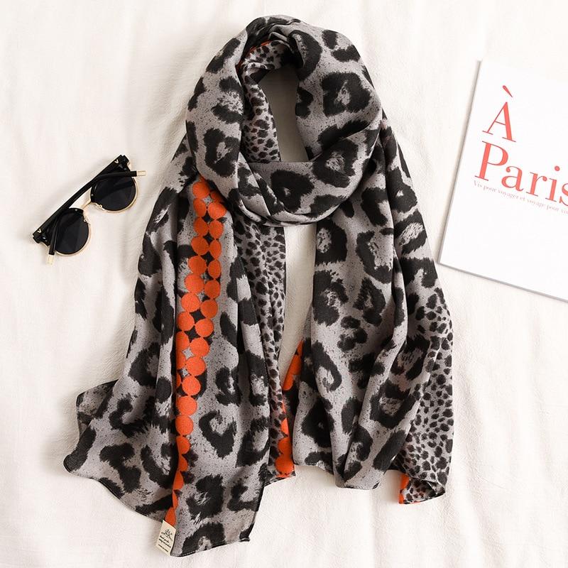 2020 NEW Design Brand Women Scarf Leopard Sprint Winter Warm Cotton Scarves Shawls Wraps Ladies Pashmina Beach Stoles Hijabs