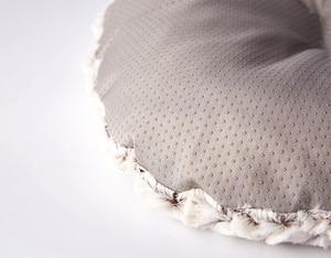 Image 5 - Benepaw秋冬暖かい犬ベッドソフト快適な厚いぬいぐるみ滑り止め子犬ペットマットクッション小中大犬猫