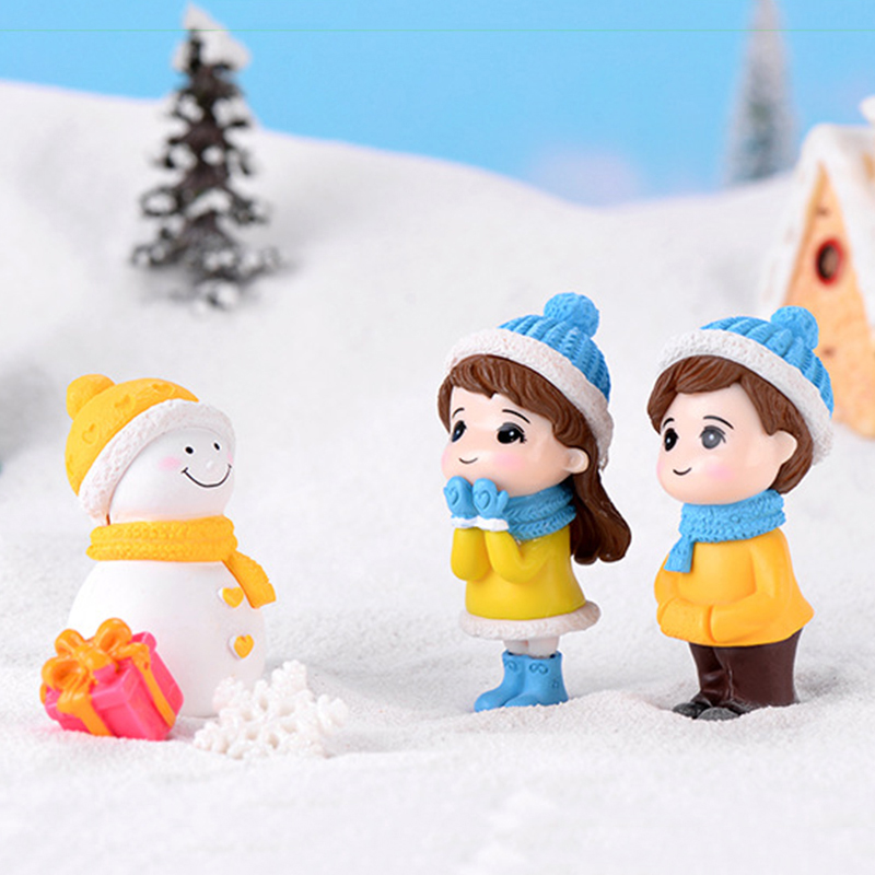 Winter Dress Lovers Snowman Boy Girl Studendt People Doll Toy Model Statue Figurine Ornament Miniatures Home Decor
