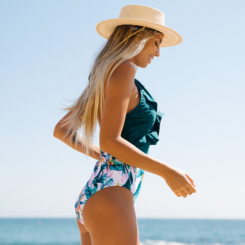 2020 New Sexy V-neck Ruffle Swimwear Women One Piece Swimsuit Female Print Monokini Bodysuit Hollow Out Bathing Suit Beach Wear 2