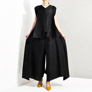 Image 5 - Lanmrem 2020 verão nova moda temperamento feminino solto mais casual plissado sem mangas colete solto calças largas perna terno tc194