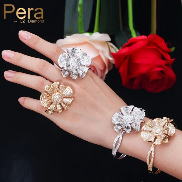 Pera יוקרה צהוב זהב צבע מלא Shinning מעוקב Zirconia גדול פרח צורת צמיד וטבעת נשים אירוסין מסיבת תכשיטי Z031