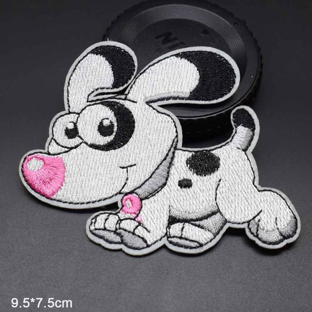 Пятнистая собака полная вышивка Железная на вышитой одежде нашивки для одежды наклейки одежды торговля - Цвет: fenpizi paodong gou