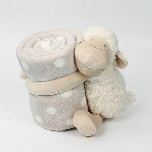Image 2 - Bebek konfor bebek ile uyku arkadaşı havlu bebek sevimli beyaz kuzu Holding battaniye bebek oyuncak peluş hayvan çocuklar için doğum günü hediyesi