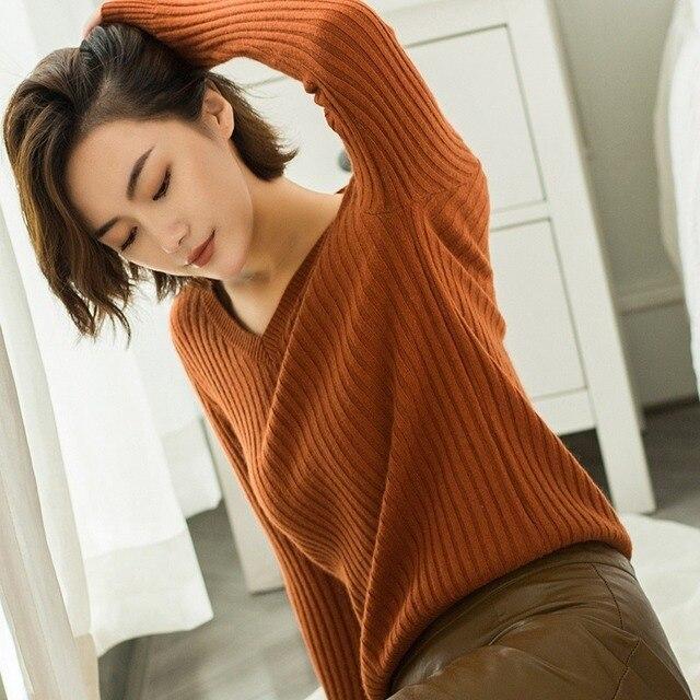 Фото высококачественный осенний и зимний женский новый свитер с v