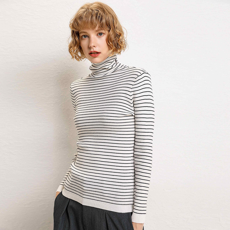 Women In Striped Sweaters Wear Tight Wild Weight-loss Shoes On Their Necks In Autumn And Winter