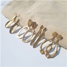 AOMU-2018-Design-Vintage-Exaggerate-Irregular-Fold-Metal-Round-Oval-Big-Circle-Earring-Gold-Thick-Long