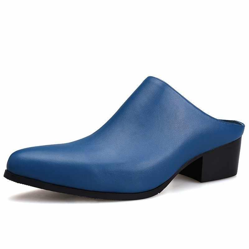 Moda pist erkek blok Med topuklar sandalet üzerinde kayma sivri burun terlik inek derisi hakiki deri sandalet tasarım ayakkabı beyaz