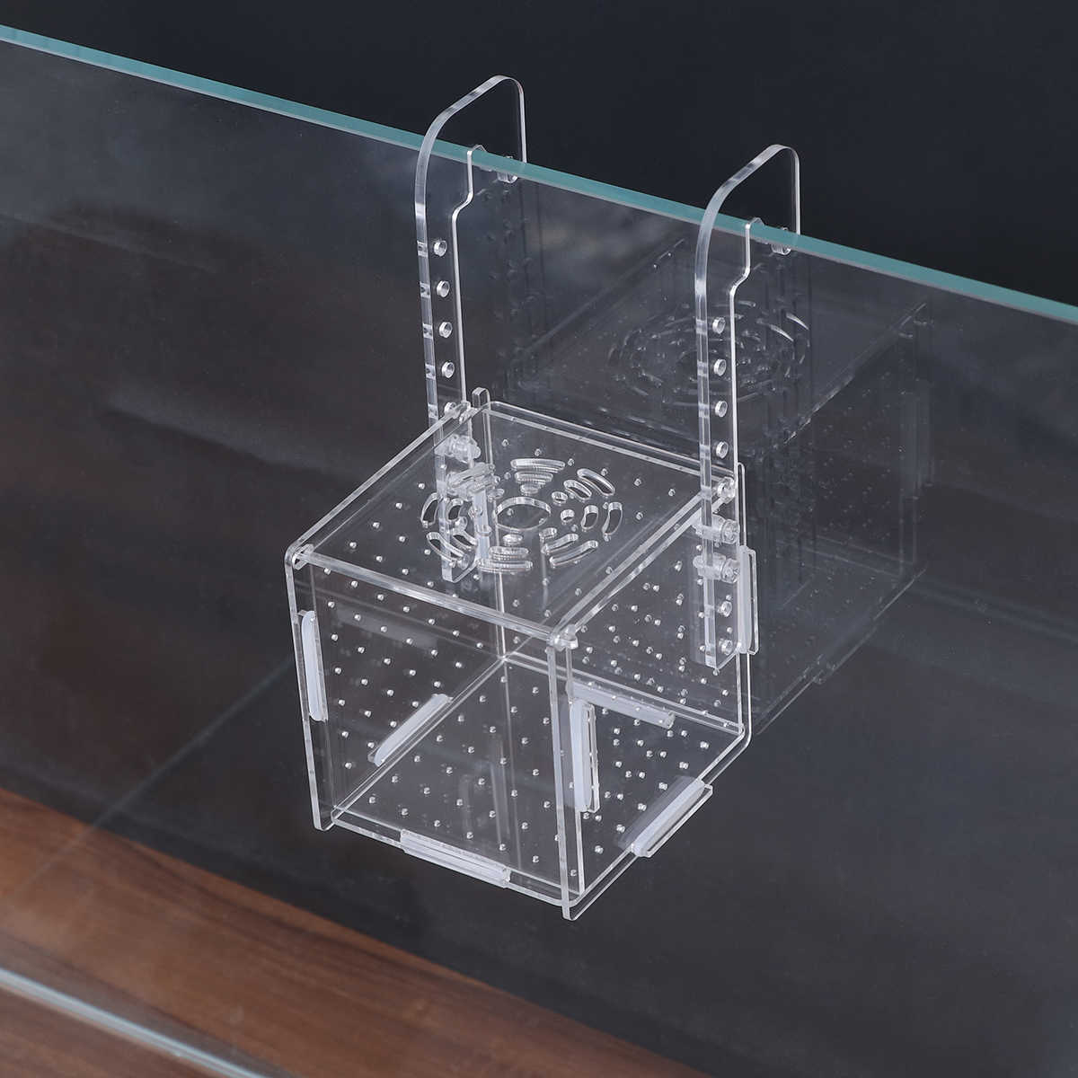 Acrylic Fish Tank Breeding Isolation Box Aquarium Hatchery Incubator Holder Tool