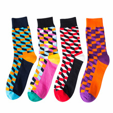 New Fashion Socks For Men Casual Simple Plaid Pattern Breathable Sweat-Absorbing Deodorant Anti-Friction Cotton Socks Male 2019 цена