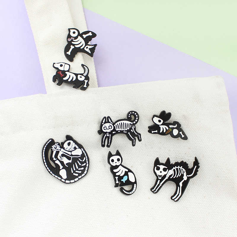 6 Kinds Black-and-white Simple Scary Birds Cats Dogs Rabbit Skeletal Animals Charming Gothic Backpack Brooch