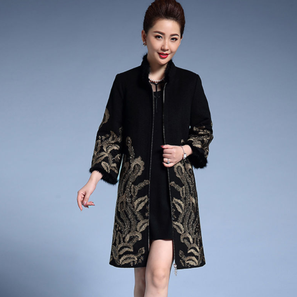 2020 New Female Woolen Coat Women Ethnic Embroidery Cloak Hot Lining Thicken Warm Stand Collar Long Winter Coat 3XL 4XL DA301