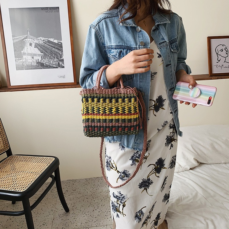 2020Woven Straw Shoulder Bag Bohemia Panelled Striped Holiday Beach Mini Crossbodybag  Designer Bags Famous Brand for Women
